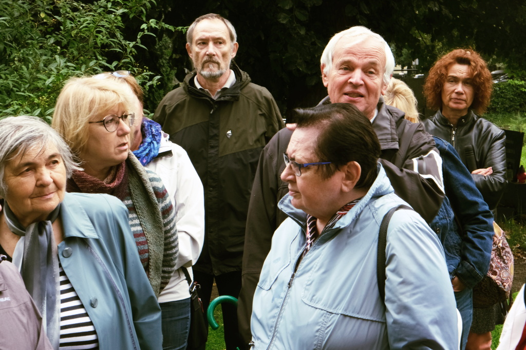 LETNÍ PROCHÁZKY PAMĚTÍ MĚSTA – Živé příběhy ze Zahrady mrtvých